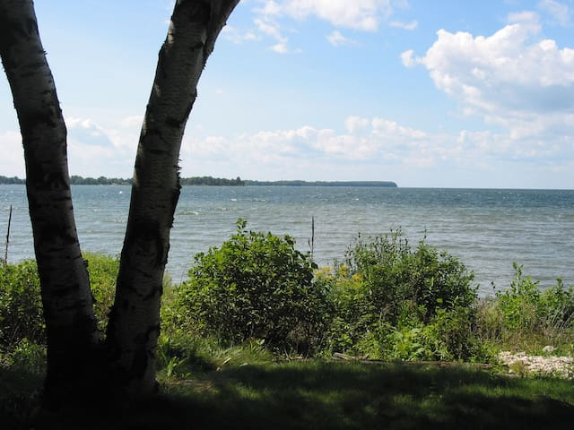 Door County Waterfront Cottage - Sturgeon Bay