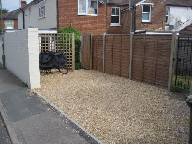 Self-contained studio in Guildford - Guildford