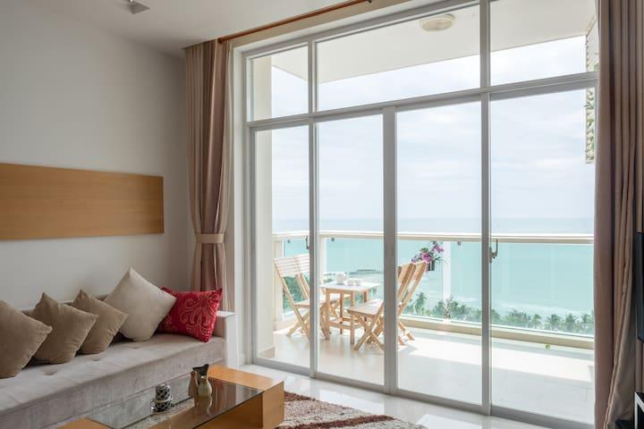 B713 Lavish Mui Ne Ocean Front Apartment - Phan Thiet