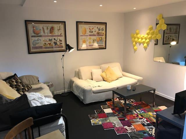 Charmant studio, centre-ville, 10 mn à pied INSEAD - Fontainebleau - Lägenhet