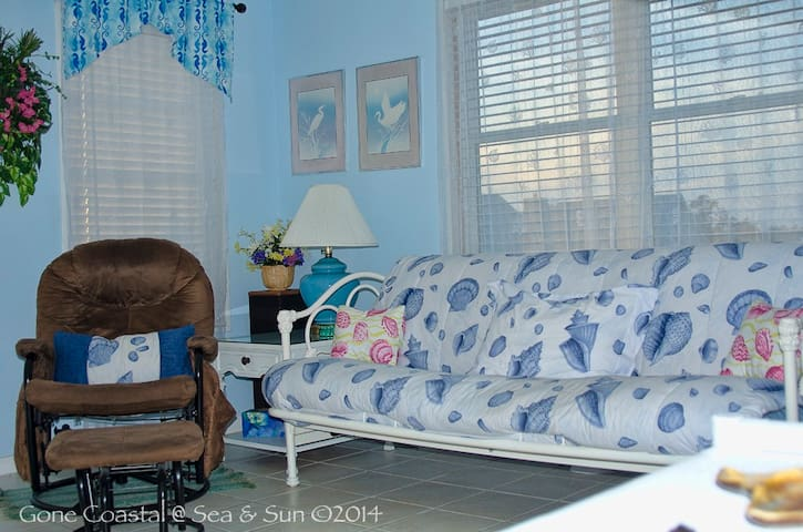 Gone Coastal: Pet Friendly Getaway for Two! - Gulf Shores - Departamento