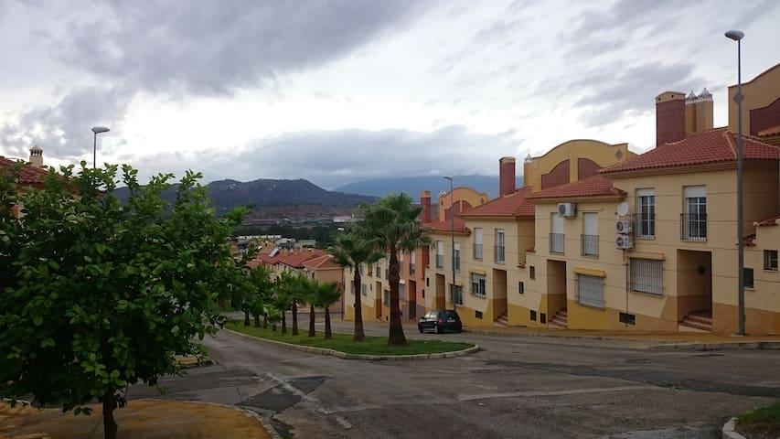A Guadalhorce Valley Stay - Pizarra - Pousada