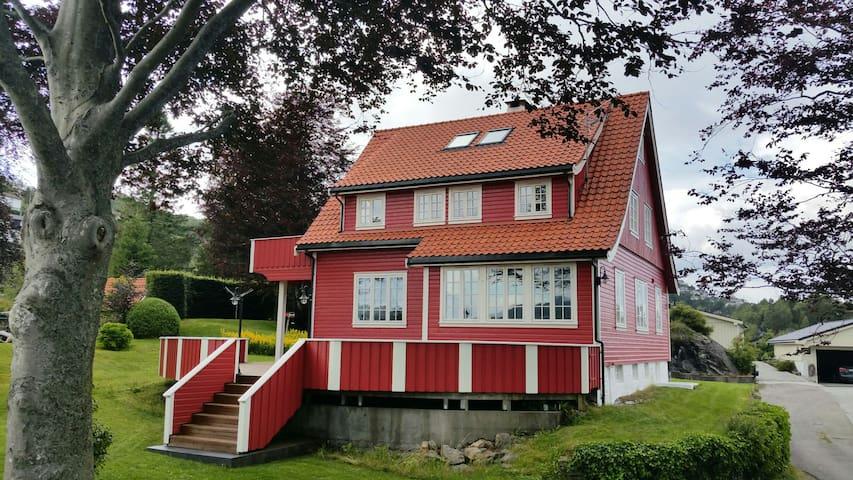 Postbakken 30 - Askøy - Huis