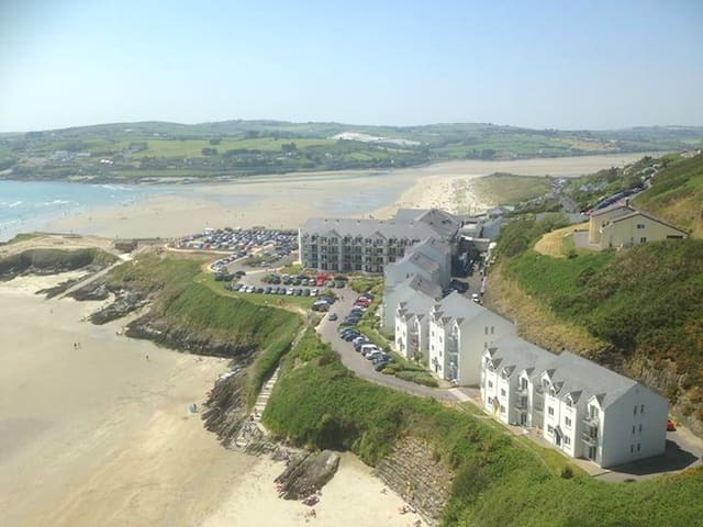 Inchydoney Ground Floor Beachfront Apartment - Inchydoney - Appartement