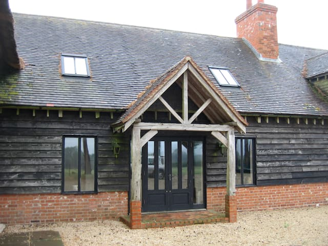 The Oast House Self contained Apartment - Hartley Mauditt