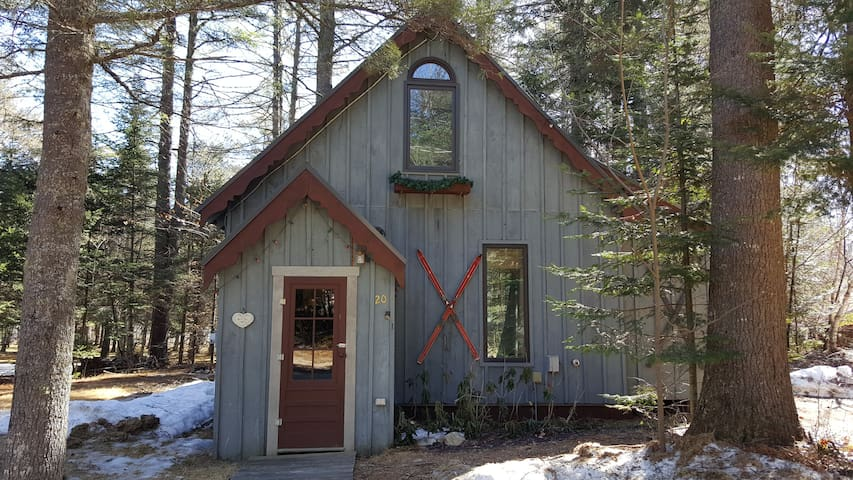 Chalet w/hot tub in Newry, Maine - Newry - Chalet