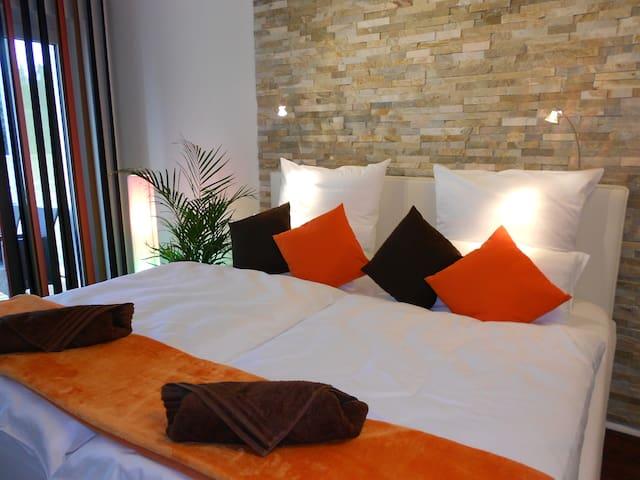 NEW! Comfort Hotel-style Apartment - Colonia - Departamento