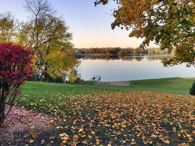Remodeled Lake House on 4 acres - Ingleside - Casa