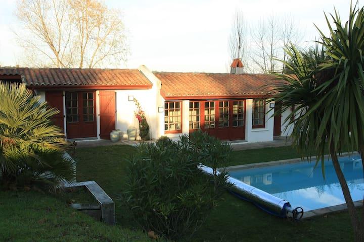 Bidart, Jolie maison avec piscine - Bidart