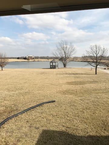 Country Haven with Private Lake - 1 Bedroom - Olathe - Huis