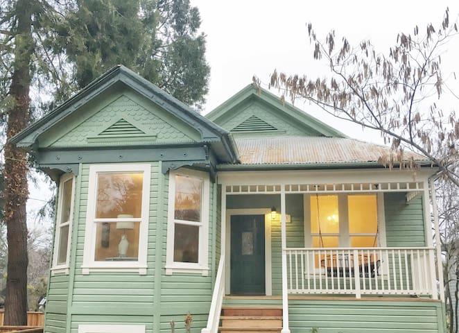 Stunning, Historic, Sutter Creekside Home! - Sutter Creek - Ház