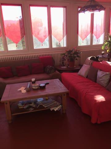 Chambre grand lit , val de Durance - Château-Arnoux-Saint-Auban - Stadswoning