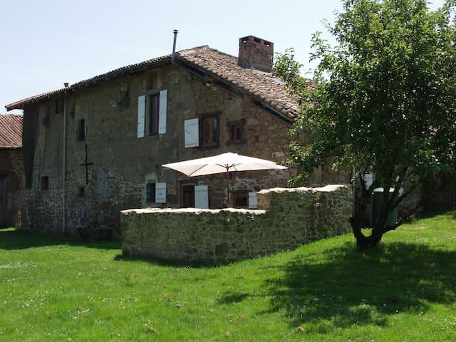 La Grue. Converted farmhouse in a  rural hamlet. - Chéronnac - Casa
