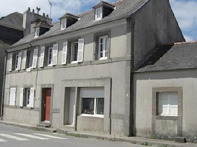 1er étage d'une maison individuelle - Logonna-Daoulas - 公寓