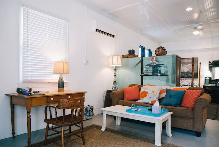 Island Escape-minutes to the ocean  - Buxton - Appartement