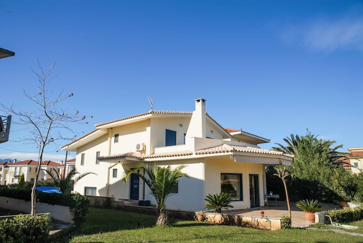 Vacation house in front of the sea - Achaea - Villa