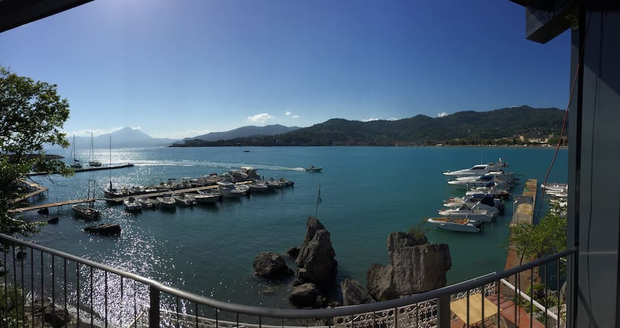 "San Giorgio Exclusive ""Suite Double Sea Room"" - Sapri - 家庭式旅館"