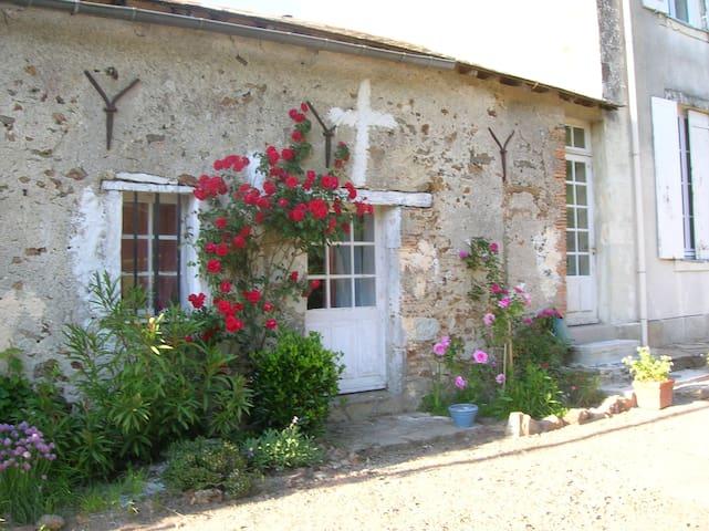 Independant Room in charming house - Saint-Père-en-Retz - Casa