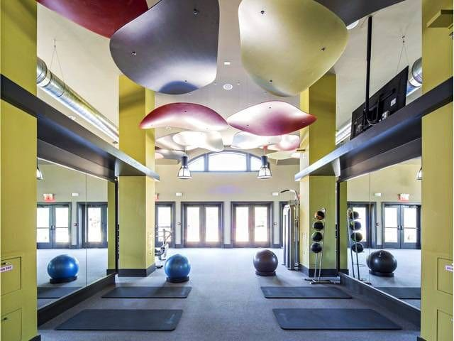 Luxury Apt + Elite Amenities - Franklin Township - Daire