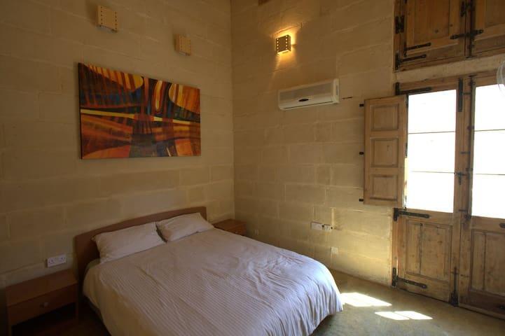 Traditional Maltese House - Sleep 3 - Ħal Qormi