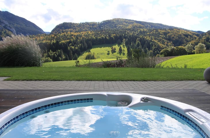 Studio Design avec jacuzzi - Moutier - Bed & Breakfast