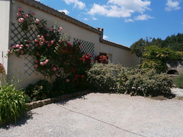 Gîte Lou Soulé - Parc Naturel des Monts d'Ardèche - Saint-Jean-Chambre - Ev