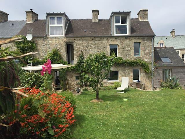 Chambre dans maison de village à proximité du port - Omonville-la-Rogue - Casa