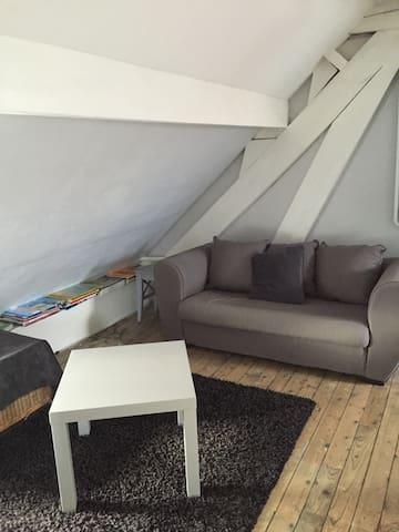 Chambre lit double avec petit salon - Soissons - Huis