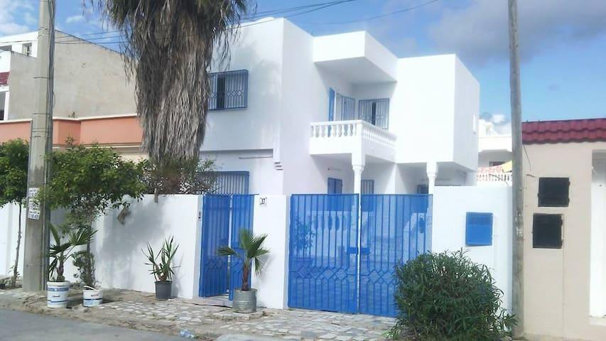 Villa détente de 500 m2 - Korba - Villa