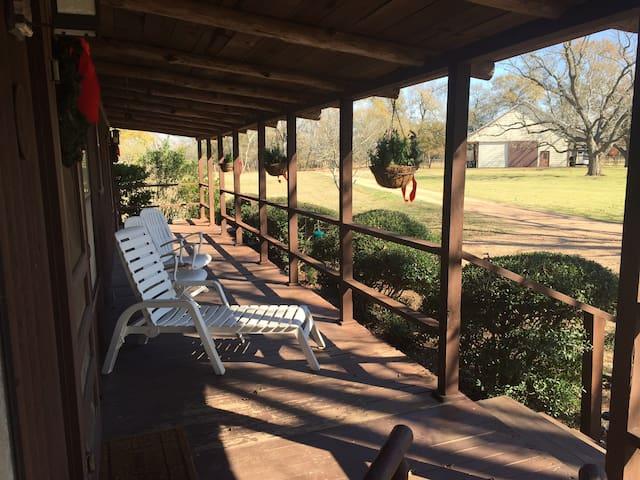Treehouse Farm Guest Cabin - Fulshear - Бунгало