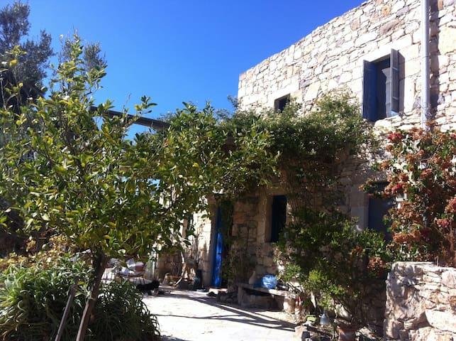 Το σπίτι της Αφθονίας και του Φωτός - Mesargos - Casa