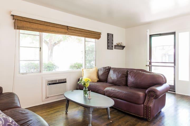 1 Bedroom Apartment in College Neighborhood - Modesto - Leilighet