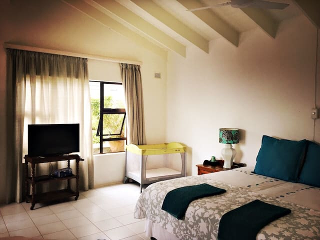 Priceys Beach Cottage - Room only - Dolphin Coast - Casa