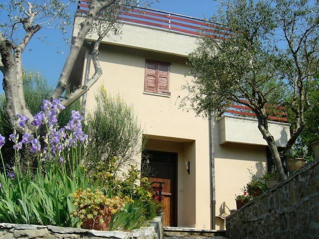 Villino panoramicissimo in relax - Pollenza - Haus