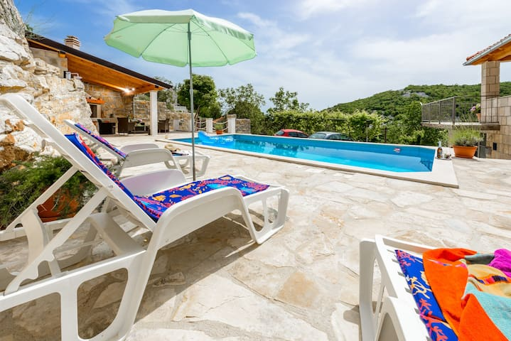 Villa with Terrace & Swimming Pool  - Cavtat