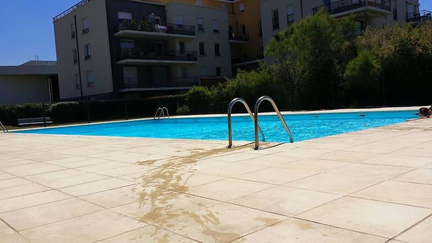 appartement residence piscine - Cournon-d'Auvergne - Selveierleilighet