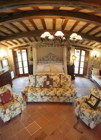 Villa Storica ad Assisi con Piscina - Assisi - Vila
