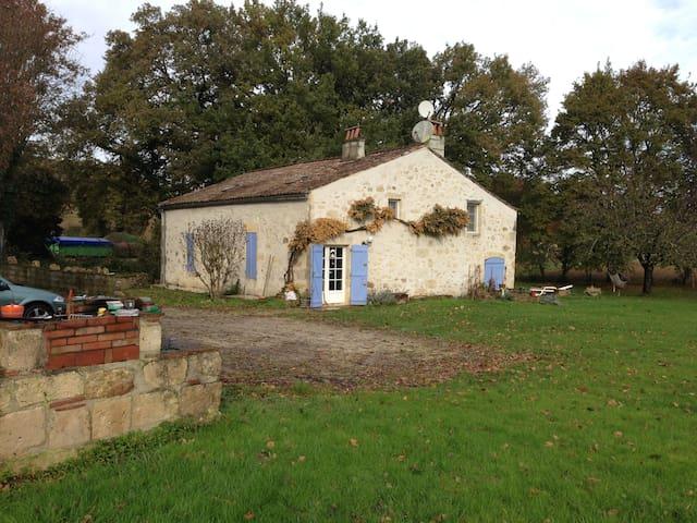 Chambres dans maison de campagne - Sainte-Colombe-en-Bruilhois