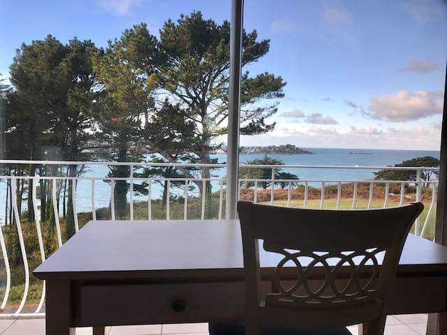 Location vue sur mer et piscine - Plestin-les-Grèves - Apartamento