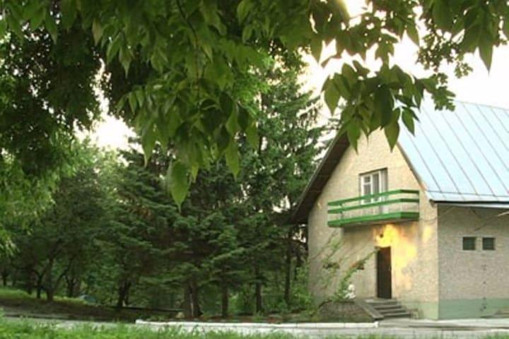 Дом на берегу реки - Ukrainka