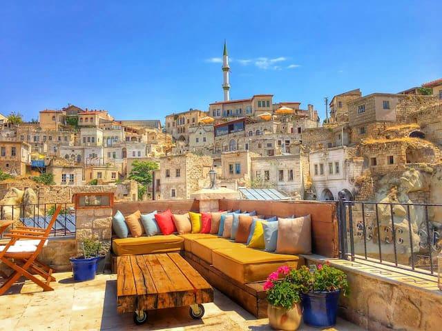 Stylish Cappadocian Cave Hotel - Ortahisar - Hotel boutique