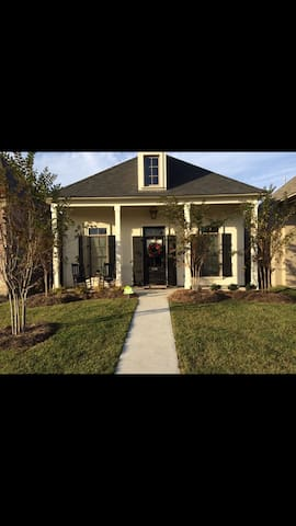 Charming new home near LSU In BR - Baton Rouge - Maison