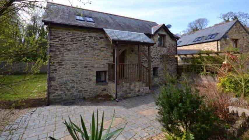 Detached Barn in Idyllic Rural Location - Brixton - Appartement