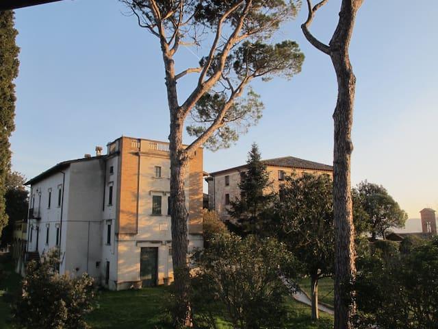 Camera tripla in raffinata Villa di campagna ,Todi - Todi - Gästehaus