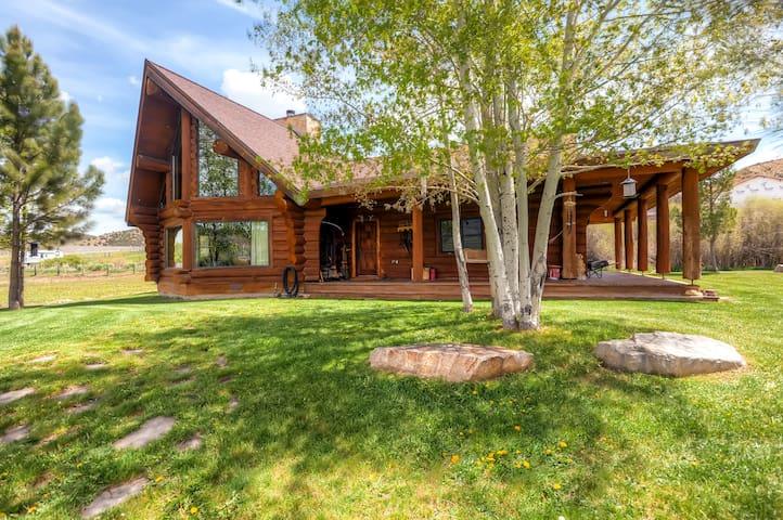 Rustic & Spacious 2BR Coalville House - Coalville - Casa