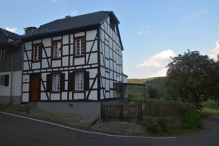 Ferienhaus In der Vischel Ahr/Eifel - 53505 Berg - Ev