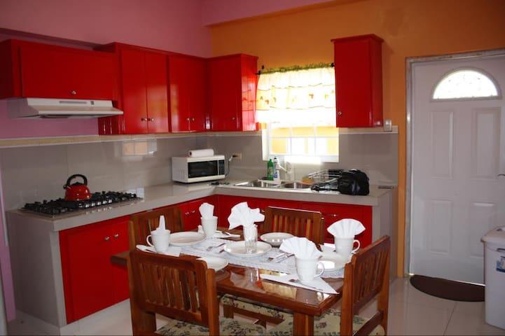 Tobago Short Term Rentals - Scarborough - Appartement