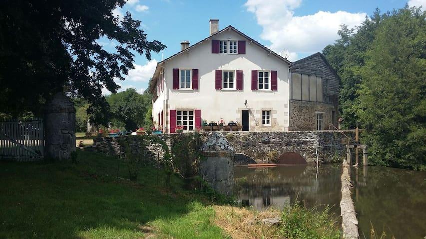 Moulin de RICHEBOURG en Limousin - Saint-Jean-Ligoure - Casa