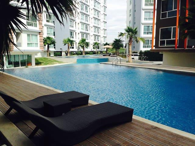 The Idol Condominium Bangsaen Chonburi - Muang - Appartement