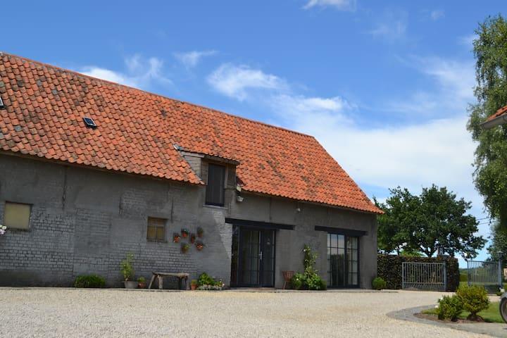 Landelijk logeren tussen paarden - Ruiselede - Hytte